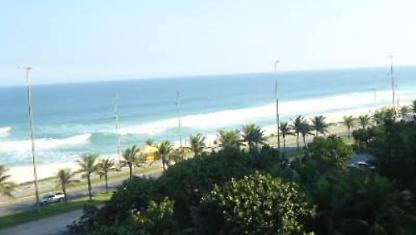 Apart-hotel in front of Barra da Tijuca Beach