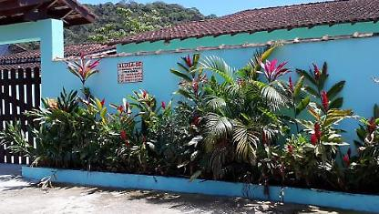 BIG AND COZY HOUSE ON THE BEACH IN UBATUBA.