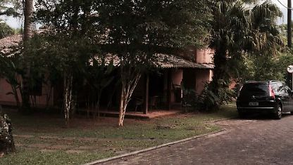House on the beach of Camburizinho in condominium.