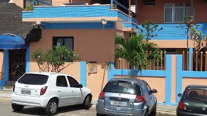 Season up to 120 beds. Pituaçu Beach.