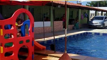 House with large pool, Next to the Morro Branco.