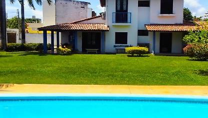 Beach House 5 bedrooms, swimming pool ....