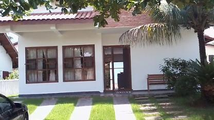 Lovely home 5 Pool suites up to 18 people