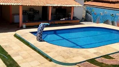 House with swimming pool and wifi included.