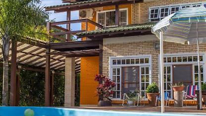 House with pool Bar from Ibiraquera