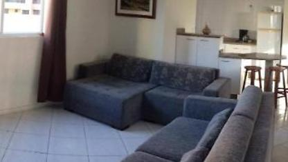 Grand appartement Central Av Meia Praia avec WIFI