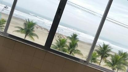 Praia Grande $150 Day p 8 Pessoasfrente to the sea