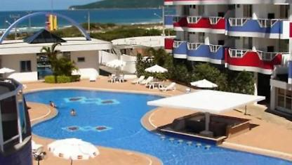 Apt em Resort 6p Piscina Churrasqueira 50m do Mar